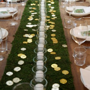 Gold Coin and Moss Runner on Farm Table - LER